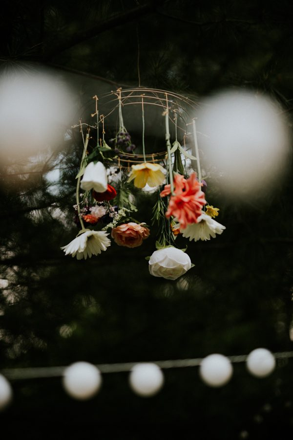 a-folksy-ohio-wedding-at-grandma-and-grandpas-house-22