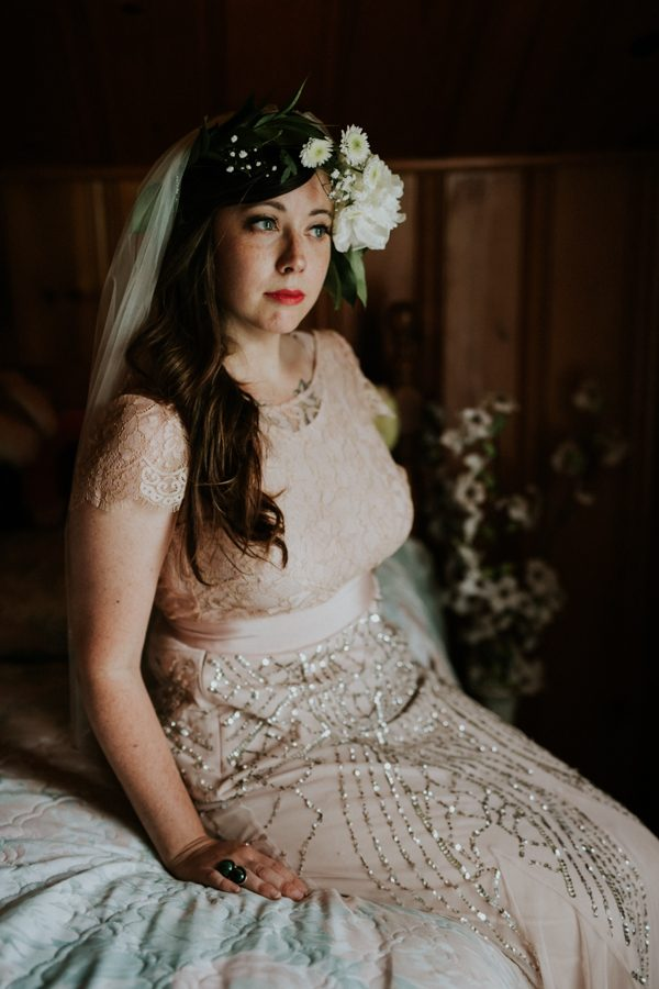 a-folksy-ohio-wedding-at-grandma-and-grandpas-house-24
