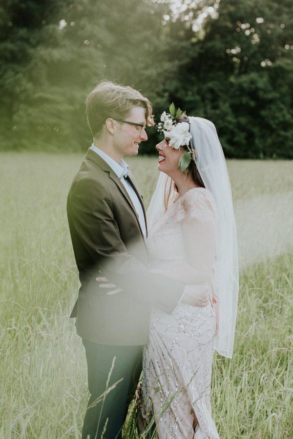 a-folksy-ohio-wedding-at-grandma-and-grandpas-house-29
