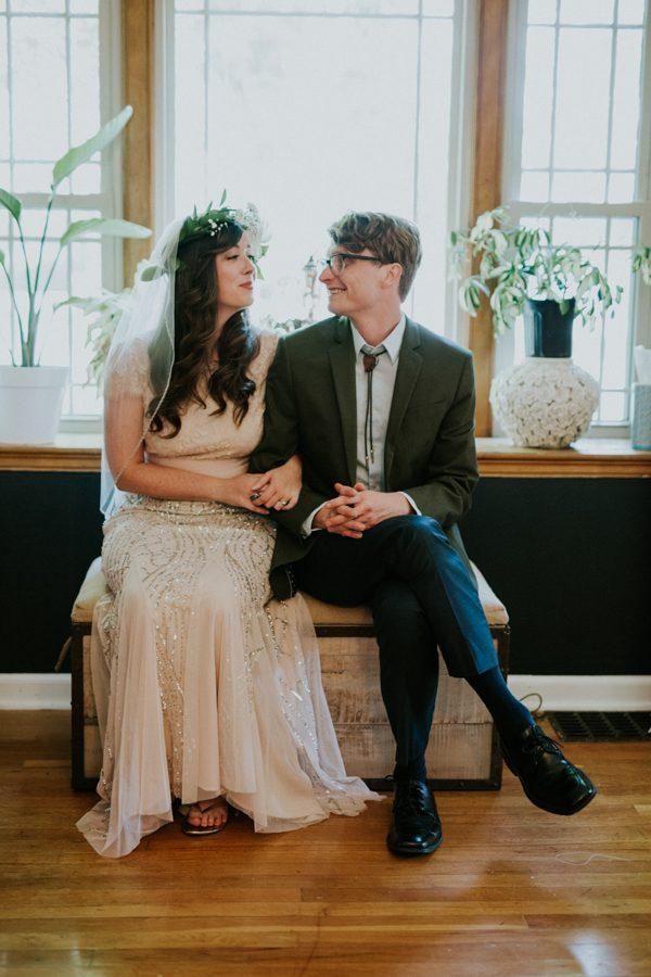 a-folksy-ohio-wedding-at-grandma-and-grandpas-house-3