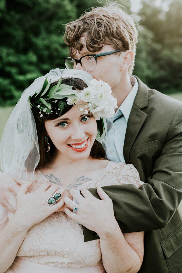a-folksy-ohio-wedding-at-grandma-and-grandpas-house-30