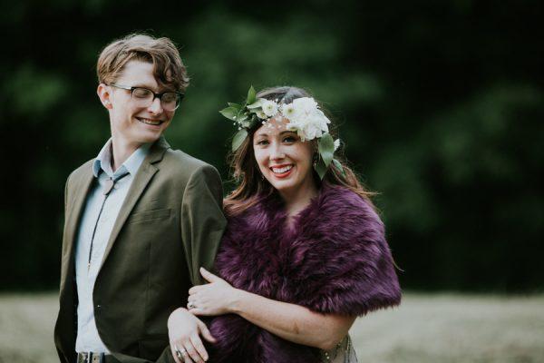 a-folksy-ohio-wedding-at-grandma-and-grandpas-house-32