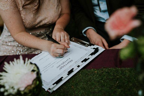 a-folksy-ohio-wedding-at-grandma-and-grandpas-house-35