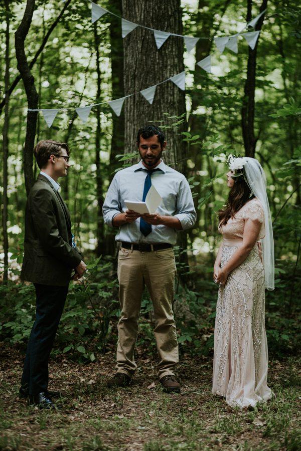 a-folksy-ohio-wedding-at-grandma-and-grandpas-house-38