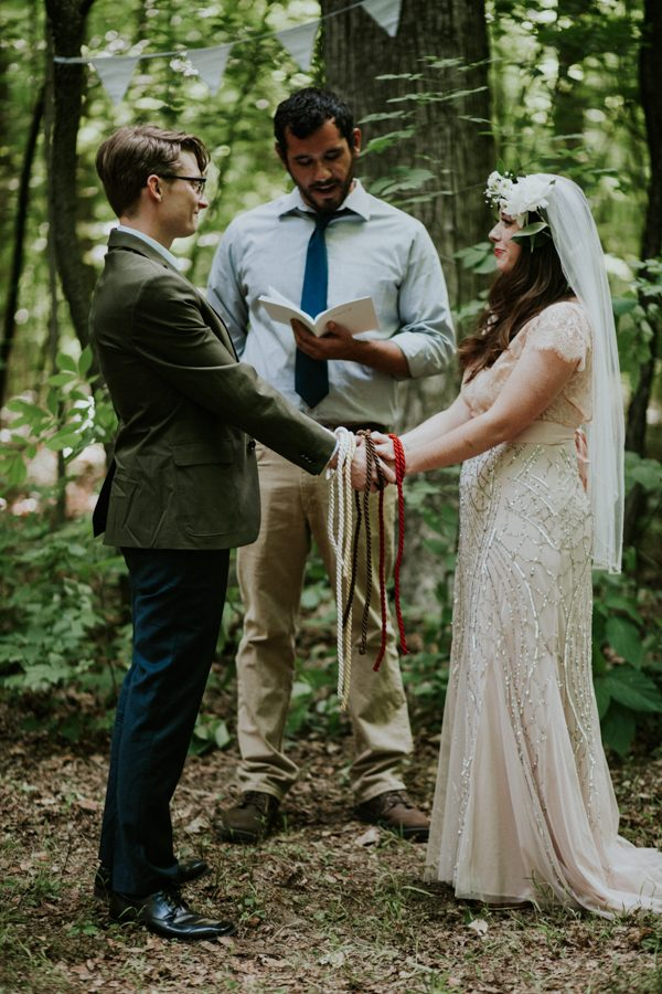 a-folksy-ohio-wedding-at-grandma-and-grandpas-house-39