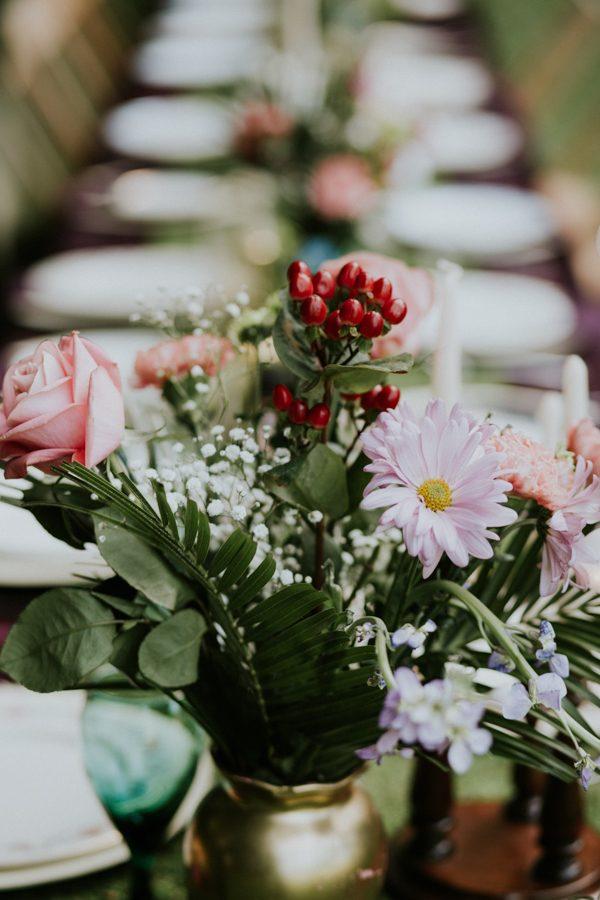 a-folksy-ohio-wedding-at-grandma-and-grandpas-house-7