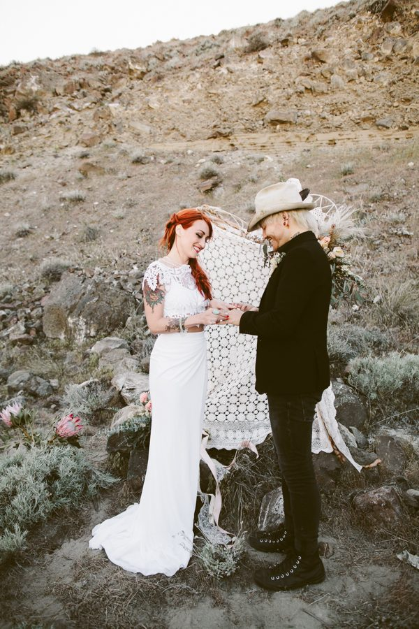alternative-inspiration-for-your-desert-elopement-10