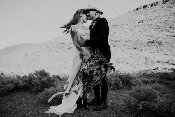 alternative-inspiration-for-your-desert-elopement-21