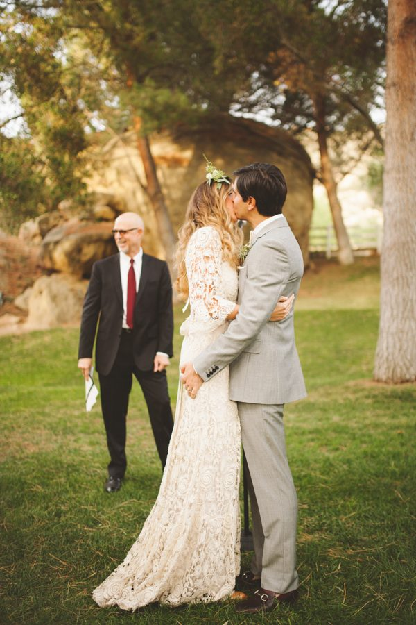 an-alpaca-almost-stole-the-spotlight-in-this-hummingbird-nest-ranch-wedding-38