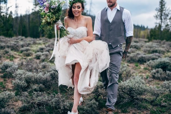 brunch-lovers-this-picnic-elopement-in-the-sawtooth-mountains-is-for-you-4