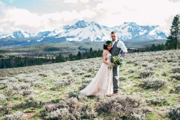 brunch-lovers-this-picnic-elopement-in-the-sawtooth-mountains-is-for-you-5