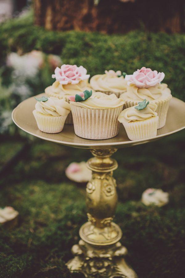 enchanting-midsummer-irish-wedding-at-castle-leslie-42