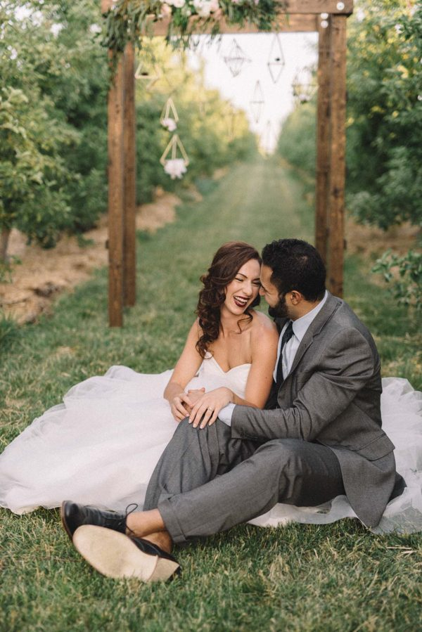 find-your-geometric-wedding-inspiration-in-this-candlelit-elopement-10