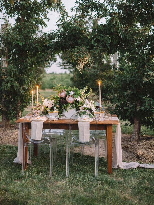 find-your-geometric-wedding-inspiration-in-this-candlelit-elopement-24