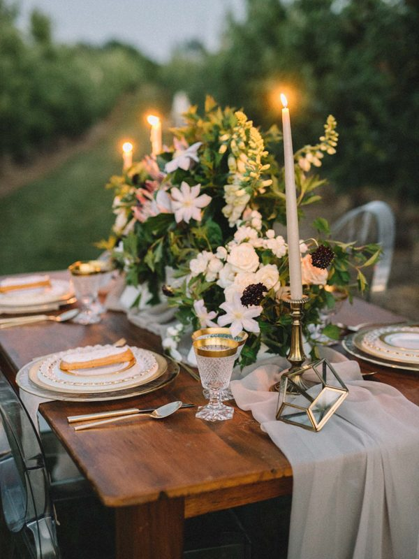 find-your-geometric-wedding-inspiration-in-this-candlelit-elopement-28