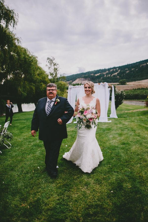 find-your-rustic-diy-inspiration-in-this-kelowna-mountain-wedding-14