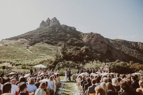 floral-and-feminine-malibu-wedding-at-saddlerock-ranch-18