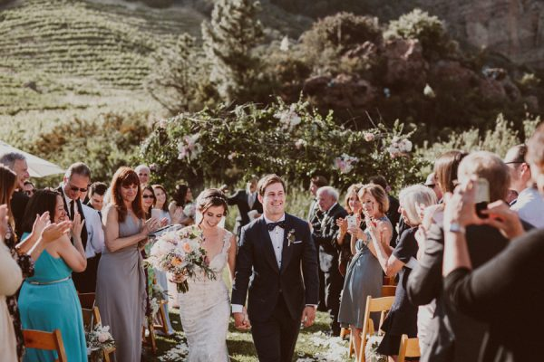 floral-and-feminine-malibu-wedding-at-saddlerock-ranch-22