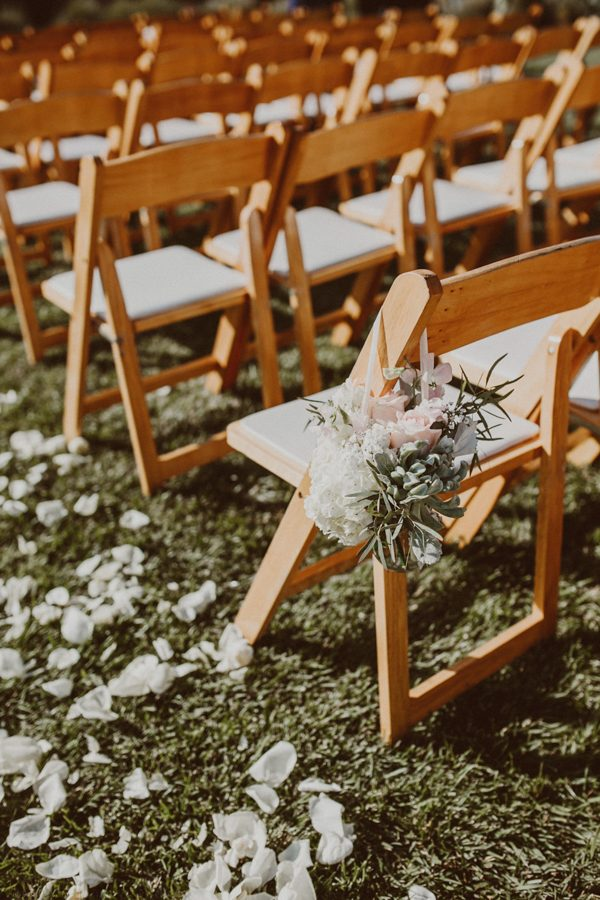 floral-and-feminine-malibu-wedding-at-saddlerock-ranch-23