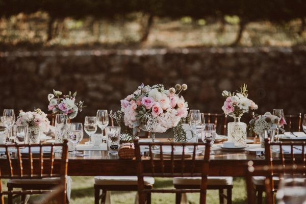 floral-and-feminine-malibu-wedding-at-saddlerock-ranch-24