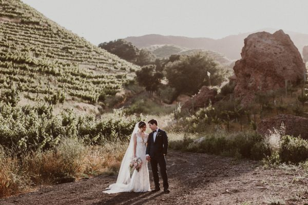 floral-and-feminine-malibu-wedding-at-saddlerock-ranch-28