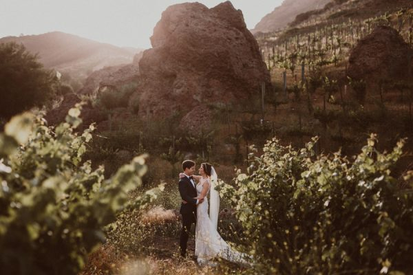 floral-and-feminine-malibu-wedding-at-saddlerock-ranch-30