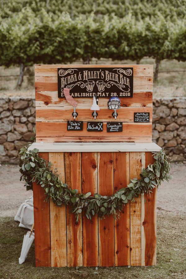 floral-and-feminine-malibu-wedding-at-saddlerock-ranch-40