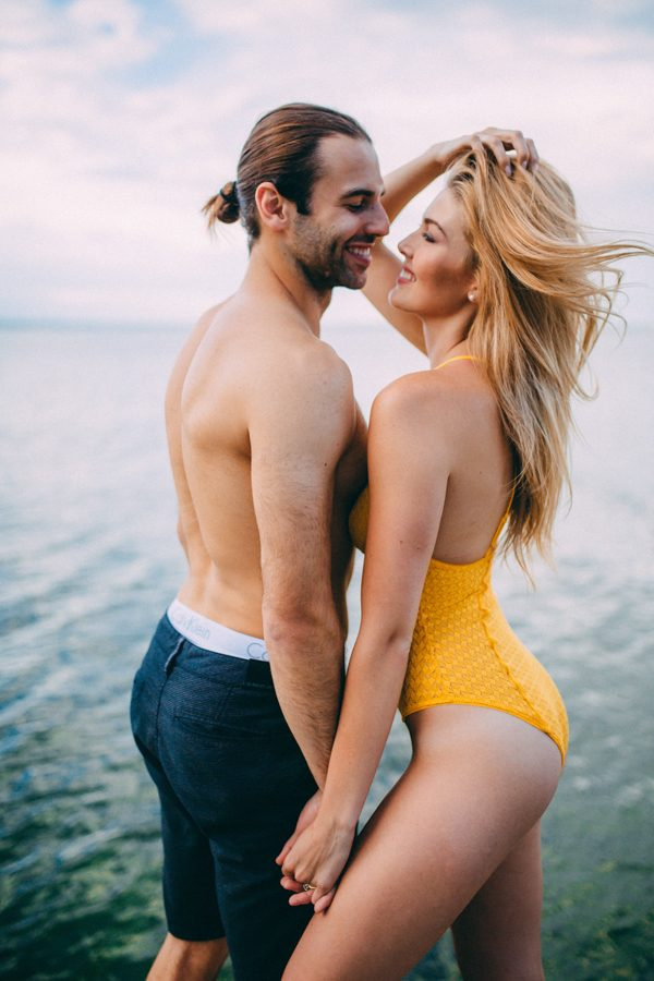 from-the-cabin-to-the-dock-this-pigeon-lake-engagement-is-both-cozy-and-hot-22