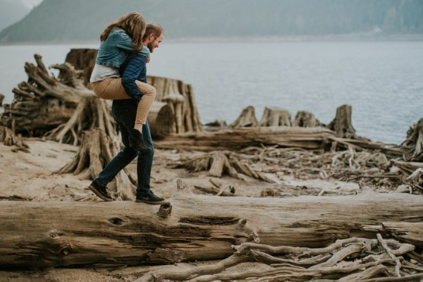 smoke-bombs-boat-two-made-jones-lake-engagement-unbelievably-romantic-17