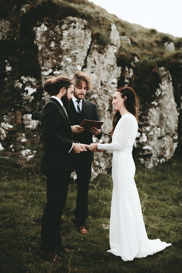 stunning-intimate-isle-of-skye-destination-wedding-24-600x900