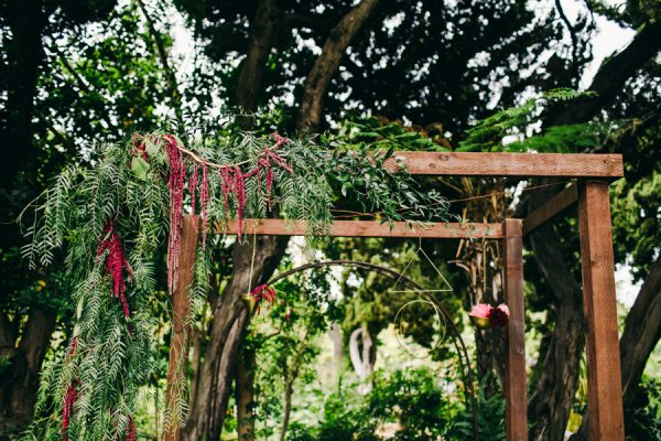 Stylish And Colorful California Wedding At The San Diego Botanic Gardens |  Junebug Weddings