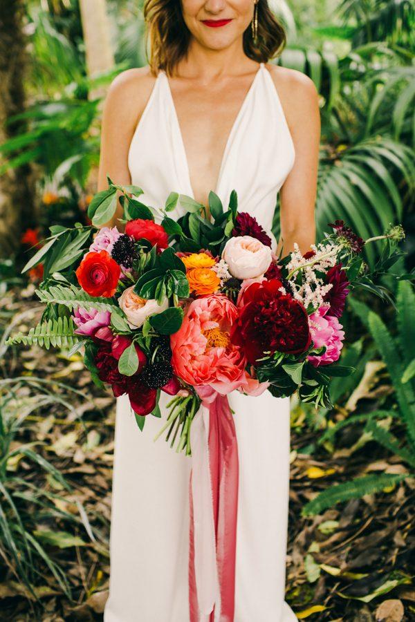 stylish-and-colorful-california-wedding-at-the-san-diego-botanic-gardens-34