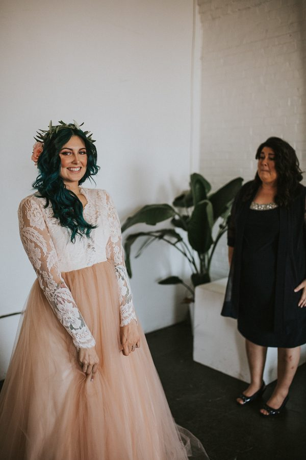 this-bride-ditched-her-wheelchair-to-walk-down-the-aisle-at-her-atlanta-wedding-8