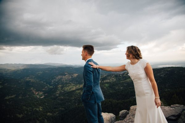 this couple achieved a dreamy woodland affair for their lds wedding