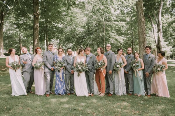this-maine-barn-wedding-serves-up-muted-colors-and-a-bit-of-edge-16