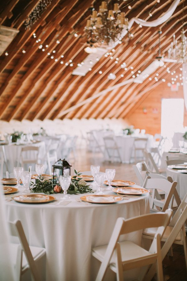 This Maine Barn Wedding Serves Up Muted Colors and a Bit ...