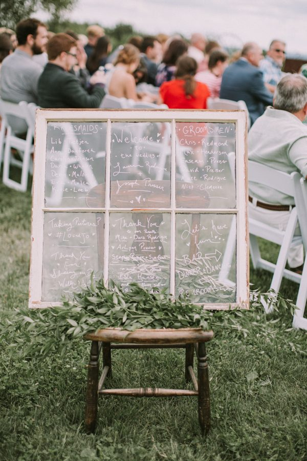 this-maine-barn-wedding-serves-up-muted-colors-and-a-bit-of-edge-21