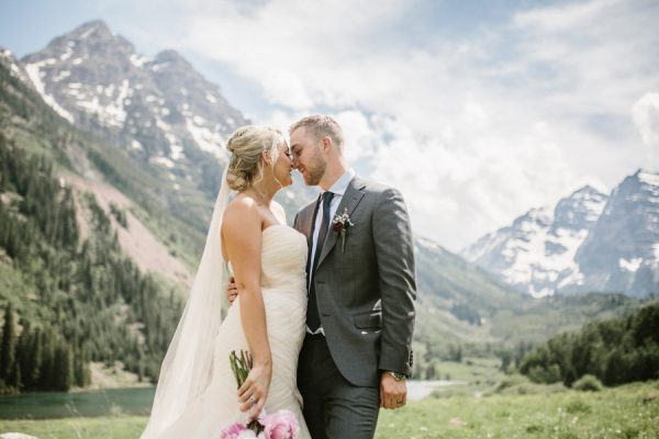This Maroon Bells Amphitheatre Wedding Proves That Intimate Affairs Can Be Totally Epic