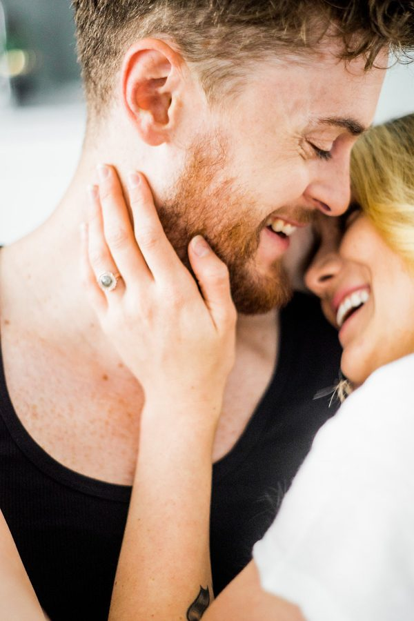 this-nashville-musician-and-his-sweetheart-got-comfy-for-a-photo-shoot-at-home-7