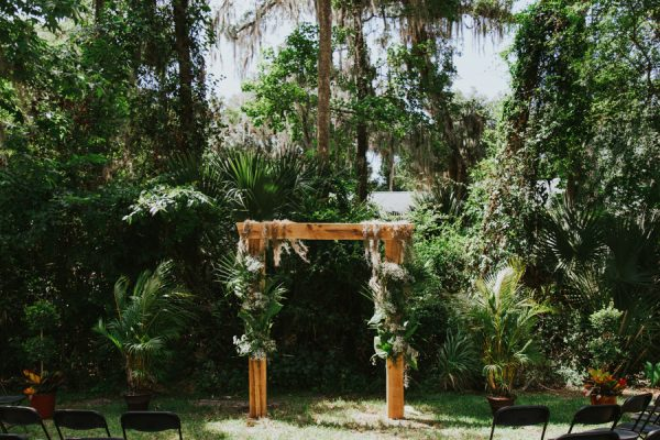 this-new-smyrna-beach-wedding-is-the-epitome-of-easygoing-tropical-florida-spirit-10