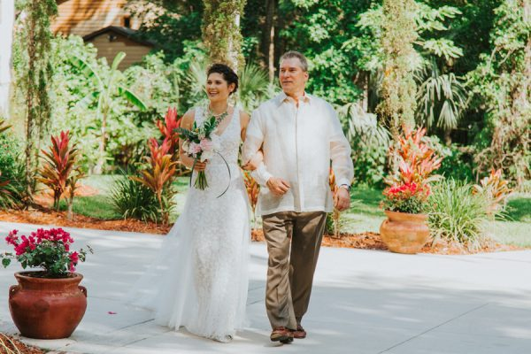 this-new-smyrna-beach-wedding-is-the-epitome-of-easygoing-tropical-florida-spirit-14