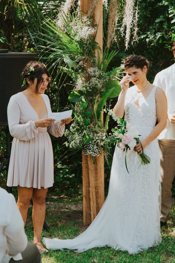 this-new-smyrna-beach-wedding-is-the-epitome-of-easygoing-tropical-florida-spirit-15