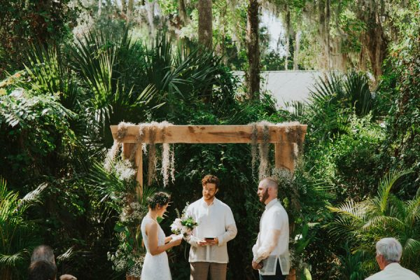 this-new-smyrna-beach-wedding-is-the-epitome-of-easygoing-tropical-florida-spirit-16