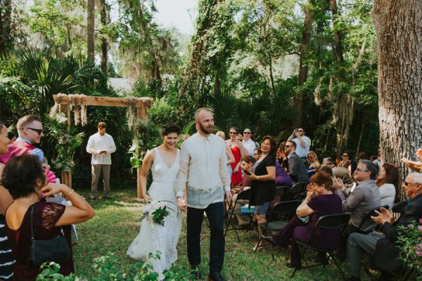 this-new-smyrna-beach-wedding-is-the-epitome-of-easygoing-tropical-florida-spirit-19