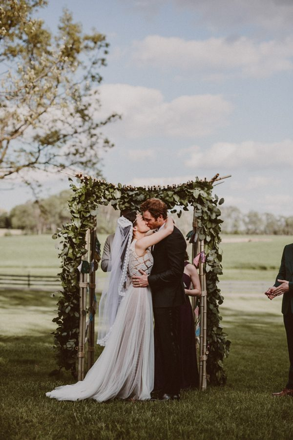 this-ohio-wedding-proves-that-combining-your-favorite-things-can-be-incredibly-chic-16
