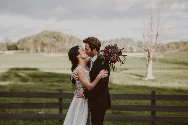 this-ohio-wedding-proves-that-combining-your-favorite-things-can-be-incredibly-chic-22