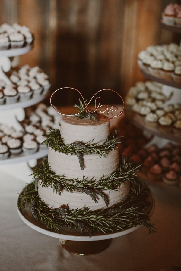 this-ohio-wedding-proves-that-combining-your-favorite-things-can-be-incredibly-chic-26
