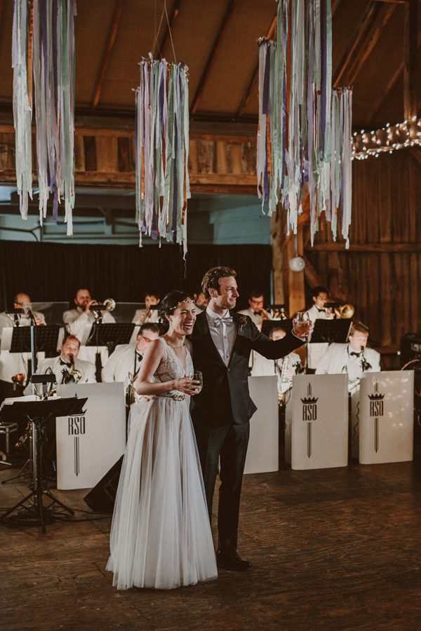 this-ohio-wedding-proves-that-combining-your-favorite-things-can-be-incredibly-chic-31