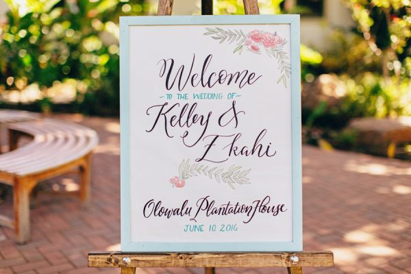 this-olowalu-plantation-house-wedding-marries-hawaiian-tradition-and-new-england-charm-22