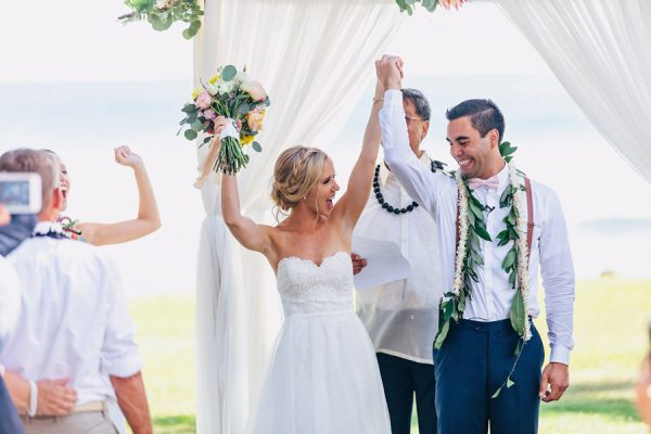 this-olowalu-plantation-house-wedding-marries-hawaiian-tradition-and-new-england-charm-37